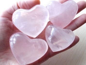 ef4b8bd3ed04e2e5ca8b1830ac861576--heart-chakra-rose-quartz-aesthetic.jpg